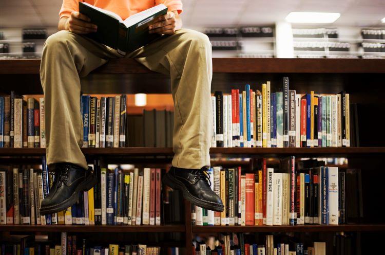 7 autori care au suferit de tulburări psihice